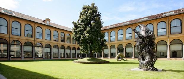 7 Settembre 2007, Fondazione Stelline: scultura di Tony Cragg.  Foto Franco Mascolo